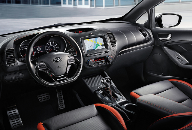 Kia Offers Apple CarPlay and Android Auto Download Instructions