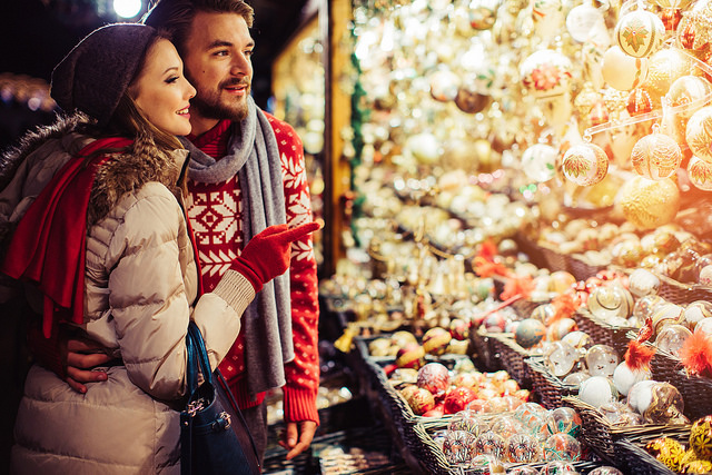 Couple looking at ornaments | Evansville, IN